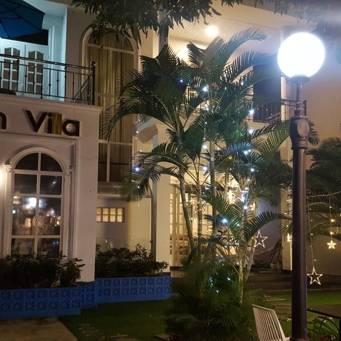 베트남 풀빌라 야간 장식